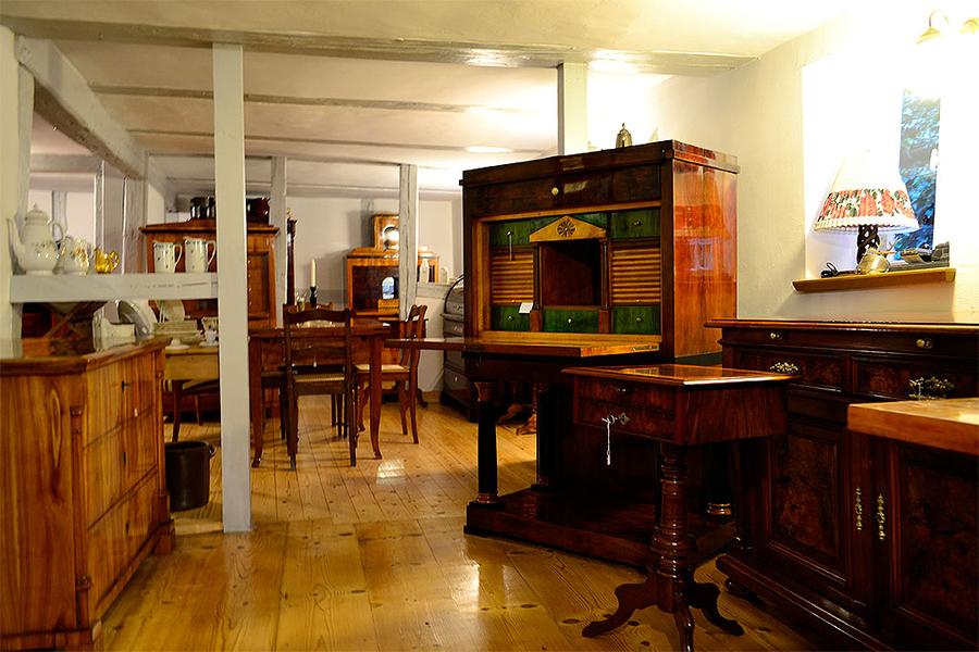 antiquit ten am rabenturm astrid riedel m hlhausen th ringen ladengesch ft. Black Bedroom Furniture Sets. Home Design Ideas